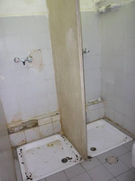 מקלחות בכפר שאול 2010
